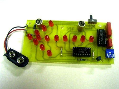 LED-Lauf-Pfeil Bausatz mit gebohrter Leiterplatte K91203 Bausatz und Lernspielzeug von Kingdiscount inkl. Batterie - Elektrobausatz, Holzbausatz, Metallbausatz für Kinder und Jugendliche