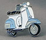 Mainly Metal Broche en métal émaillé Scooter Vespa en Bleu Clair et Blanc
