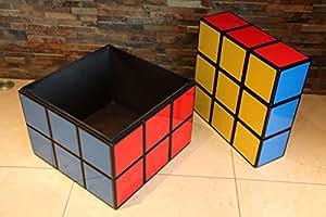 Rubik's Cube de rangement (Résolus). 45cm x 45cm x 45cm emblématique Rétro 80de meubles colorés. Utilisation comme une boîte de rangement, Siège ou table fin/côté.
