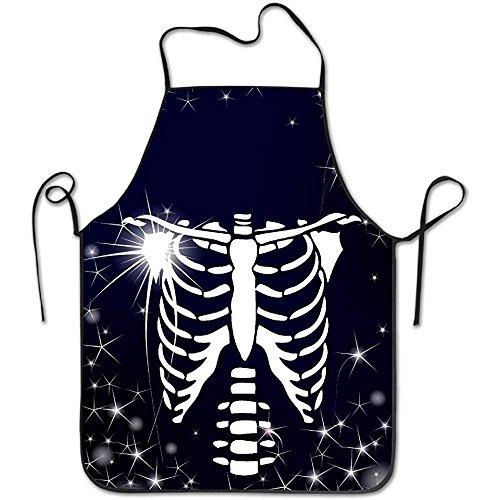 kelett-Glühen in der dunklen Küche, die BBQ-Schutzblech kocht ()