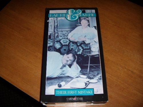 Lions Gate Laurel & hardyâ: Ihre erste Buchstaben-Fehler [colorisã © e] [VHS]