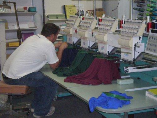 plantilla de plan de negocios para un taller de bordado en español! por Kelly Lee