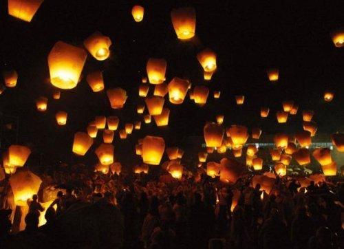 150piezas Sky Lantern Lámpara China chinos volante globo X boda blancos