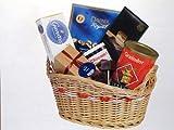 Geschenkidee Geschenkkörbe - Geschenkkorb, gefüllt mit Schokolade, Pralinen, Nougatcreme, Kaffee