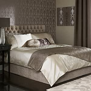 classic iliv range palladio mocha simili soie jacquard parure de lit housse de couette latte. Black Bedroom Furniture Sets. Home Design Ideas