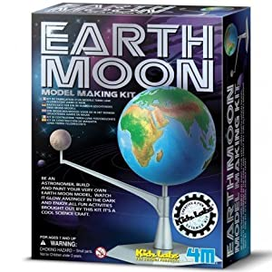 Kit de maquetación 4M, donde construir una réplica de la Tierra y la Luna Fluorescente en 3D. Contiene: esfera 3D de la Tierra (con relieves del terreno) y de la luna, estructura de sujección y apoyo, brazo articulado, pinturas normales y fluorescent...