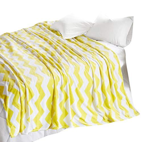 SCM Kuscheldecke XXL 200x240cm Gelb Wohndecke Tagesdecke Decke mit Chevron Print Flauschig Weich und Angenehm Warm Flanell Microlight Perfekt für Herbst Winter (Gelb-decken)
