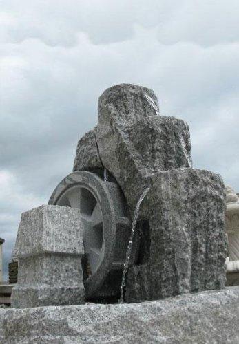 Granitbrunnen'Mühlrad' groß
