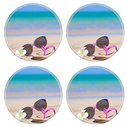 MSD Runde Untersetzer aus Naturkautschuk, rutschfest, Design 28440676 Flip-Flops in Herzform Sonnenbrille und Frangipani am tropischen Strand