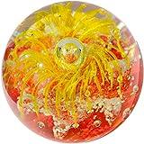 Kaltner Präsente Geschenkidee: Traumkugel Glaskugel Briefbeschwerer Kugel aus Glas Farbe Gelb Rot (Ø 85 mm)