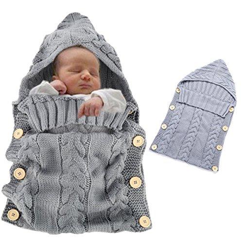 der Unisex Neugeborene Gestrickte Kapuze Swaddle Schlafsack für Jungen Mädchen Häkeln Kuscheldecke Warm Weich Strickdecke Wickeldecke Babyschlafsack Fotografie Kostüm Grau (Jungen Und Mädchen Passenden Kostüme)