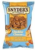 Snyder's Cheddar Cheese Pretzel Sandwich 60.2g (10 Packs) - Snyder's Cheddar Käse Brezel Sandwich 60.2g (10 Packung)