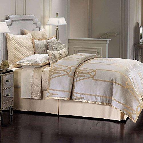 jennifer-lopez-queen-chateau-comforter-set-by-kohls