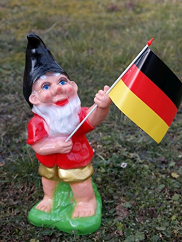 World-Cup-Gnome-with-Flag-34-cm
