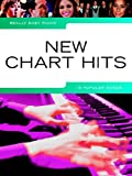 Music Sales Ldt. Really easy piano: NEW CHART HITS Partition de 19 chansons populaires actuelles pour piano Avec textes de LADY GAGA , RHIANNA , COLDPLAY , ADELE, etc. Avec crayon Idéal pour débutants et faux débutants