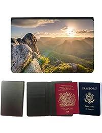 Passeport Voyage Couverture Protector // M00237057 Rocas de montañas Highlands Top // Universal passport leather cover