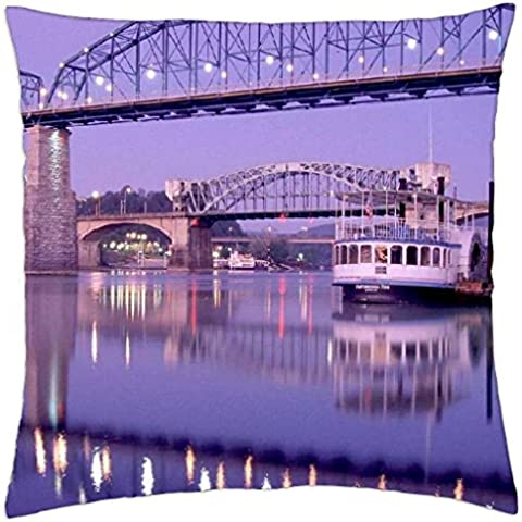 2 ponticelli in chattanooga tennessee-Cover (Throw Pillow