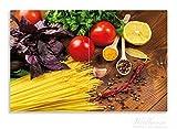 Wallario Herdabdeckplatte / Spritzschutz aus Glas, 2-teilig, 80x52cm, für Ceran- und Induktionsherde, Motiv Italienisches Menü mit Spaghetti, Tomaten, Basilikum und Gewürzen