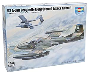 Trumpeter - Modelo avión Estadounidense A-37B Dragonfly Ataque Luz En Escala Piso 01:48