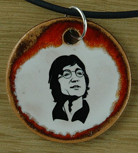 Echtes Kunsthandwerk: Schöner Keramik Anhänger mit John Lennon; Musiker,Sänger, Gitarrist, Komponist, Filmschauspieler, Friedensaktivist, The Beatles