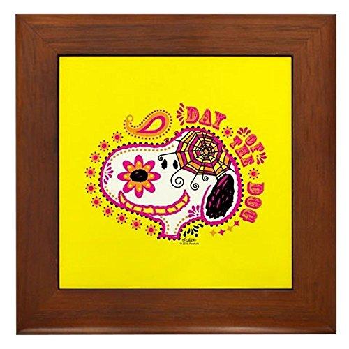 CafePress - Day of The Dog Snoopy Face - gerahmte Fliese, dekorative Fliese zum Aufhängen (Hund Vintage Behandeln)