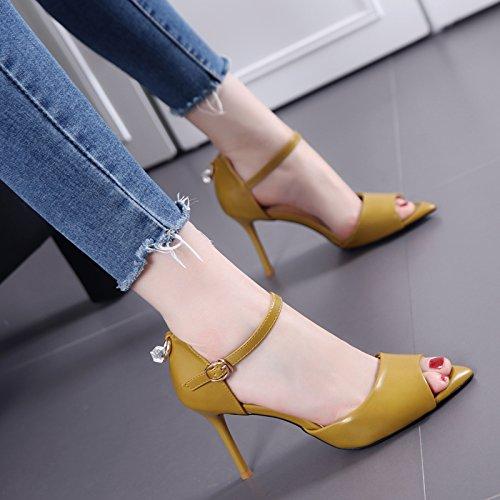 Un semplice di modo Tutto-Fiammifero punta-tacco alto scarpe con fibbia hairtail bocca sandali con Thin donna Yellow