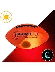 Original NightMatch LEUCHT-FOOTBALL MIT BALLPUMPE UND ERSATZBATTERIEN - Junior Größe 3 - American Football Ball - helle, sensor-aktivierte LED-Beleuchtung - Offizielle Größe & Gewicht - Top Qualität - Nacht-Football