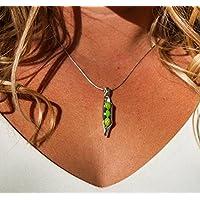 Erbsen in einer Pod-Halskette mit Hellgrüner Jaspis Erbsen