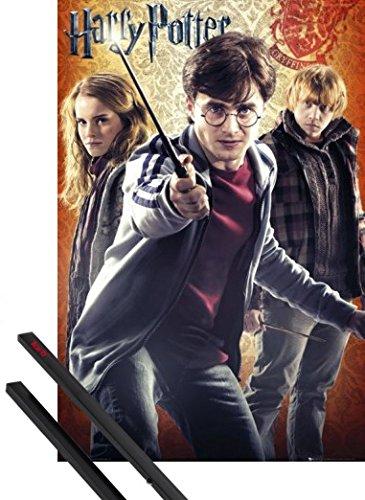 1art1 Poster + Hanger: Harry Potter Poster (91x61 cm) Und Die Heiligtümer des Todes 2, Harry, Hermine Und Ron Inklusive EIN Paar Posterleisten, Schwarz (Hermine Heiligtümer Des Todes)