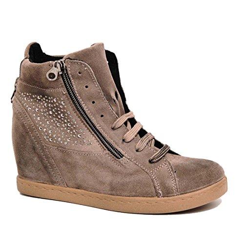 Cristina ovye by lucchi, baskets femme en cuir véritable orné de chaussures en daim véritable permettent fabriquéà la main en italie. Gris - Taupe/Fango