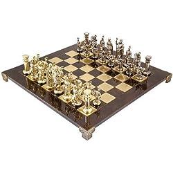 Ejercito de ajedrez de metal de la marca Manopoulos. Representa figuras de la mitología griega