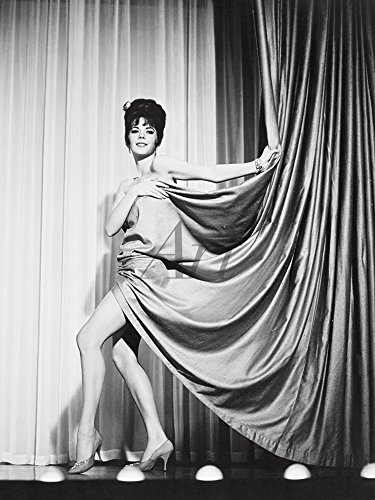 Artland Qualitätsbilder I Poster Kunstdruck Bilder 30 x 40 cm Film TV Stars Foto Schwarz Weiß C4MW Zigeuner 1962 (Zigeuner-wohnungen)