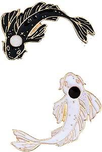 2Pcs Set Pesce/perni del Risvolto del Fumetto Koi Smalto Spilla Pin Tai Chi Badges Colore Bianco Nero