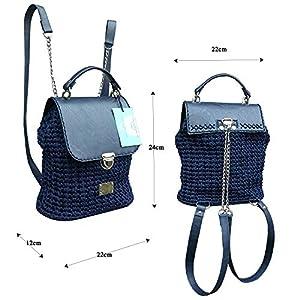 Dunkelblauen lederrucksack mit Kette.Damentasche mit rucksackfunktion. EXKLUSIVER Designer gehäkelte Rucksack…