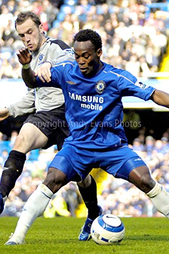 eine 20,3 x 30,5 cm Fotografieren Hochwertiger Fotodruck von Michael, Essien Spielen für Chelsea FC V Everton Hochformat Foto Farbe Bild Art Print
