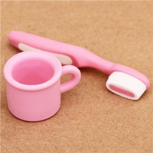 gomme-da-cancellare-iwako-spazzolino-rosa-e-porta-spazzolino-dal-giappone