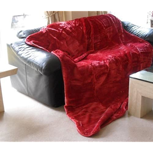 Mink Throw Faux Fur Blanket   200 X 240cm   Red