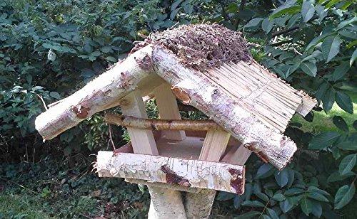 """Vogelfutterhaus mit Reetdach und Heidefirst, """"Friesenhaus mini"""" incl. Birkenständer leicht - 2"""