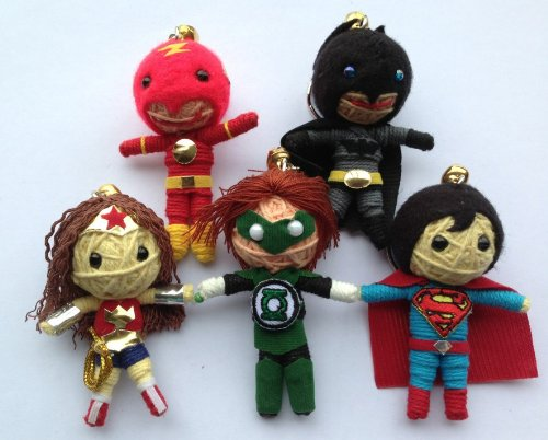 Justice League Set 5 x Voodoo String Doll Schlüsselanhänger - Superman, Batman, Green Lantern, Wonder Woman, The Flash (String Doll Set)