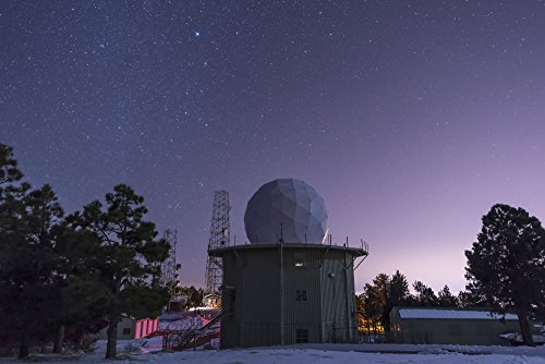 John Davis/Stocktrek Images - A defunct Air Force Station radar tower at Mount Lemmon Observatory. Photo Print (86,87 x 57,91 cm) Radar Tower