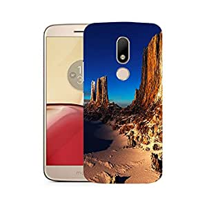 Snoogg Beach Side View Designer Protective Phone Back Case Cover For Motorola Moto M