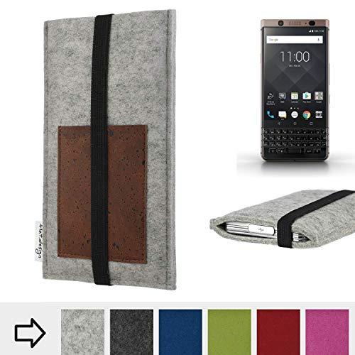 flat.design Handy Hülle Sintra für BlackBerry KEYone Bronze Edition handgefertigte Handytasche Filz Tasche Schutz Case Kartenfach Kork