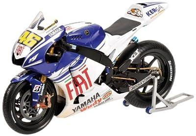 Minichamps 122083146 - Yamaha YZR-M1 - Valentino Rossi, Wet/Dirty Version, Maßstab: 1:12 von MINICHAMPS