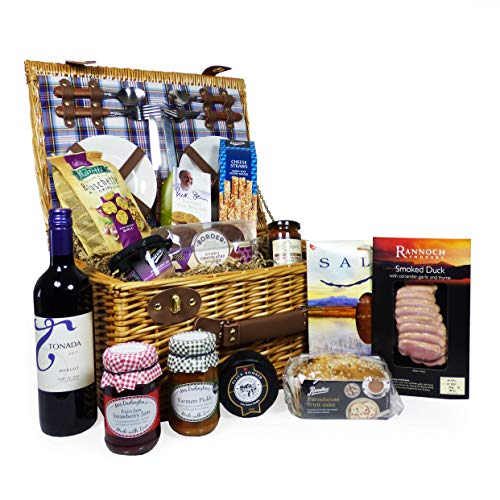 Henley 4 Person Picnic Basket Hamper & 750ml Tonada Merlot Wine with a Luxury Fine Food Selection - Gift ideas for Christmas, Valentines, Birthday, Anniversary, Corporate, Business and Congratulations Presents
