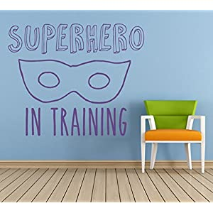 """Superhero in Training"" Zitat. Vinyl Wandkunst Aufkleber, Wandbild, Aufkleber. Zuhause, Wanddekor. Kinderzimmer, Kindergarten, Spielzimmer"