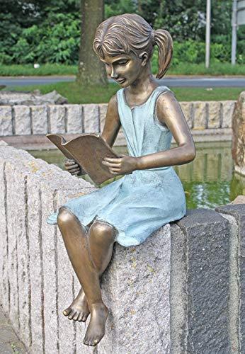 BR0378-fille avec un livre