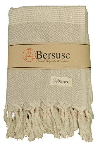 Bersuse 100% Baumwolle - Hierapolis XL Türkisches Handtuch - Mehrzweck Bett- oder Sofa-Überwurf, Tischdecke oder als Picknickdecke - Badestrand Fouta Peshtemal - Auf Handwebstuhl mit Diamantwebart Pestemal - 152X242 cm, Beige