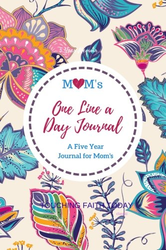 Mom's One Line A Day Classic Five Year Journal: 5 Year diary, Memory Book, Mother's Day Gift, 5 Year Memory Book, 6x9 inches - BONUS Password Keeper, ... for Mothers, Grandmothers/Memory Book) - Mother Keeper