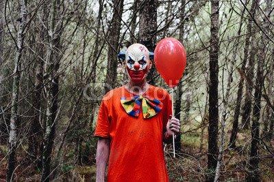 otiv: scary evil clown in the woods #123908383 - Bild auf Alu-Dibond - 3:2-60 x 40 cm/40 x 60 cm (Scary Clown Bild)
