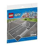 Lego 7281Base con incrocio a T e curva.Specifiche:AttivitàMattoncini e CostruzioniLineaCostruzioniBrandCityNon adatto aEta inferiore 36 mesiA partire dai5 AnniConsigliatoDa 5 a 12 AnniSolo uso domesticoInternoCodice articolo7281AssortitoNoColli1Dimen...
